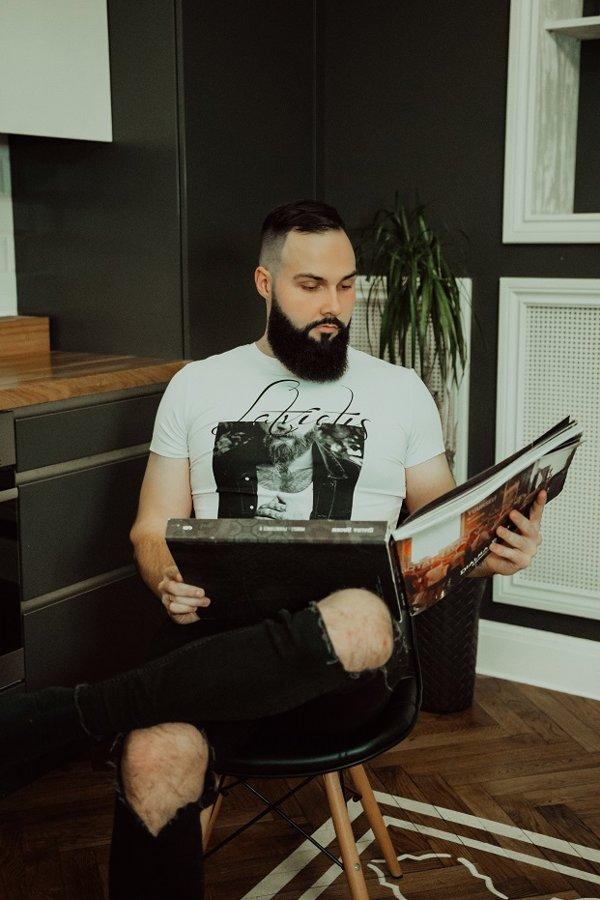 T-krekls Latvietis ar attēlu balts