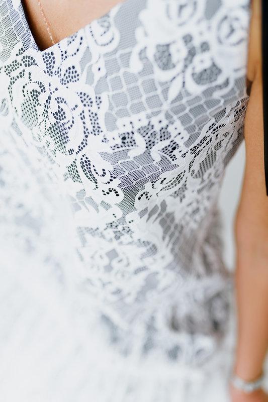 Mežģīņu kleita melna ar baltu mežģīni virskārtā
