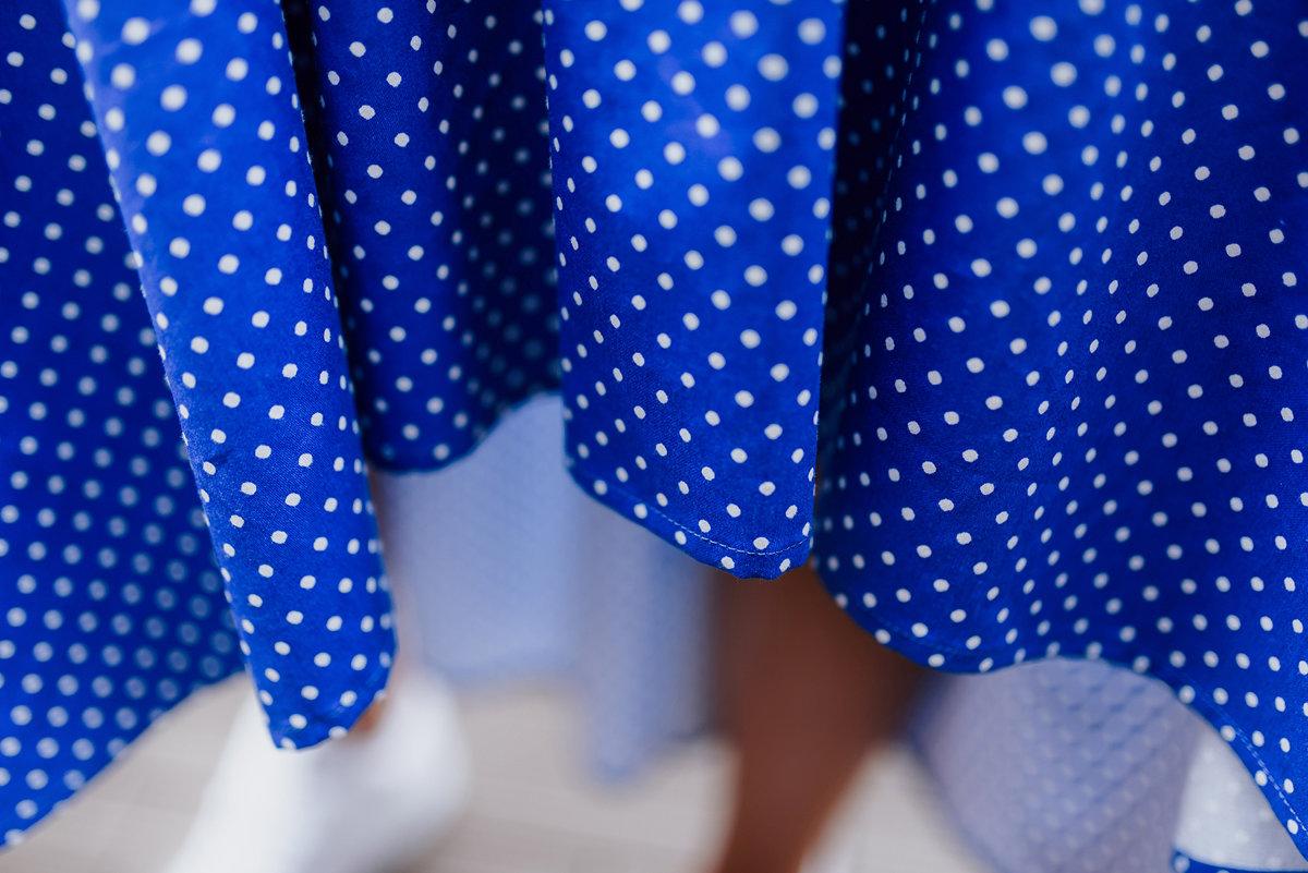 IZPĀRDOTS Asimetriskā kleita punktiņu Latviete