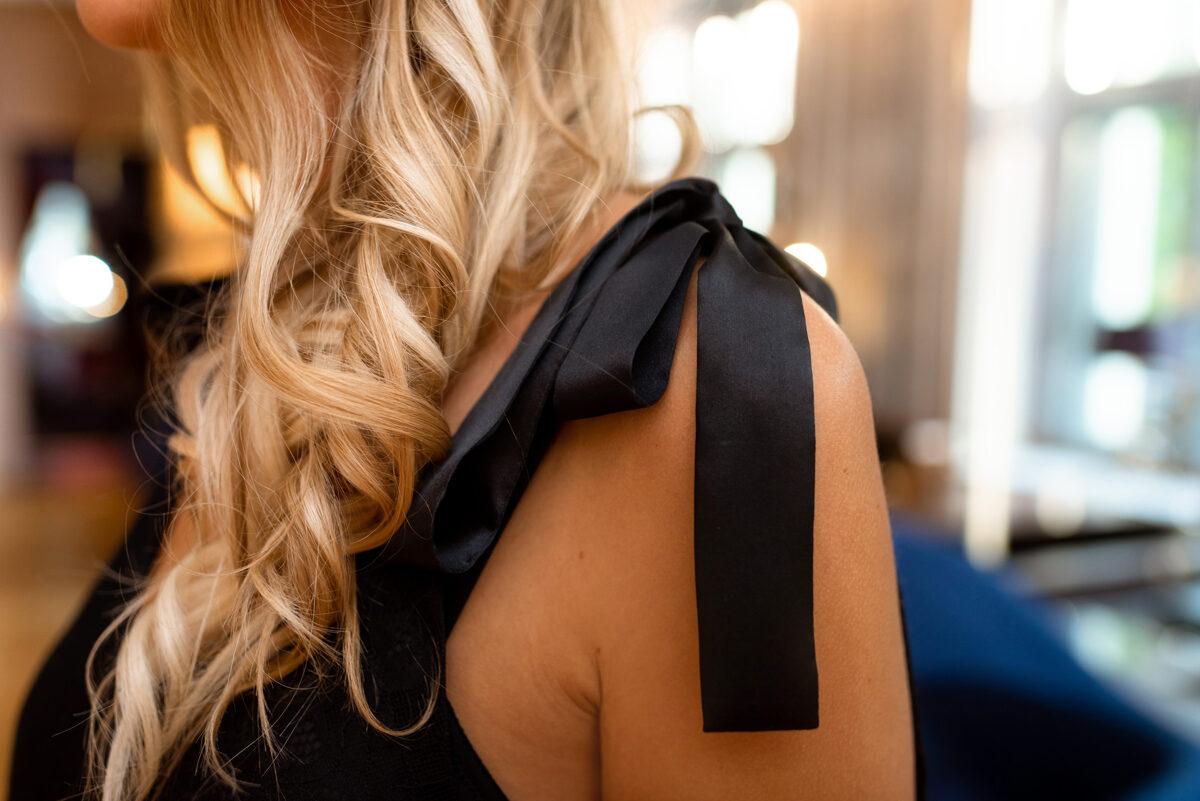 Mežģīņu kleita (melna)