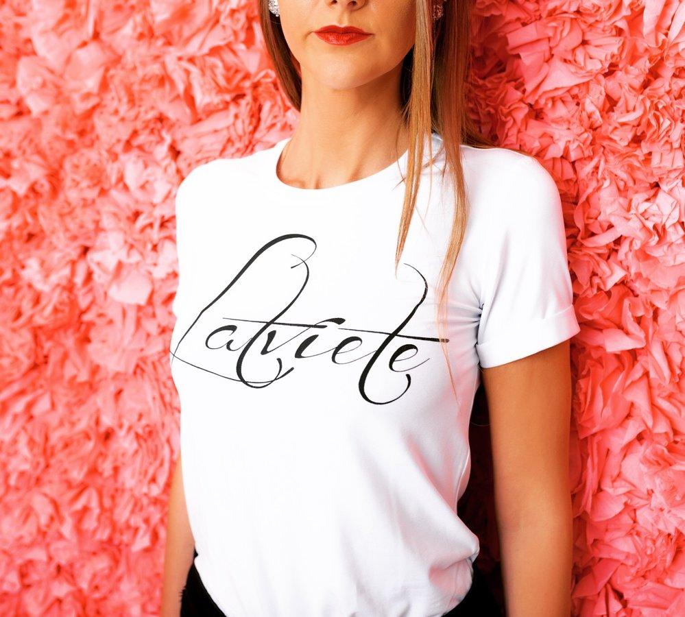 T-krekls Latviete balts