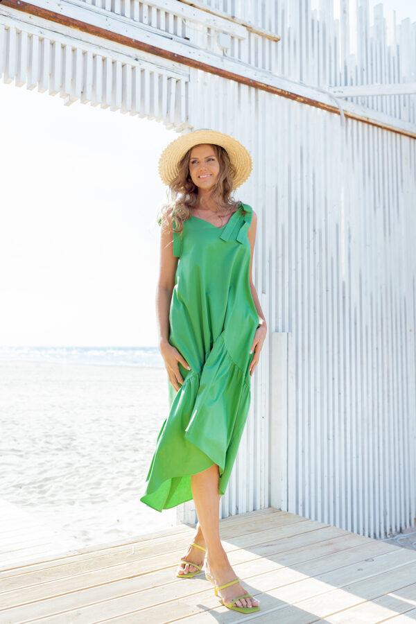 zaļa asimetriskā kleita