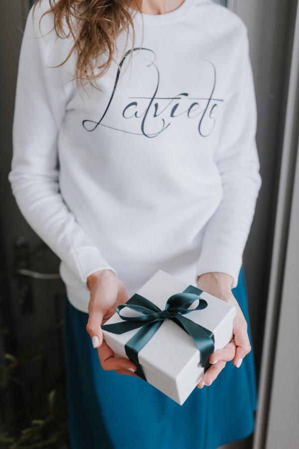 Džemperis Latviete balts