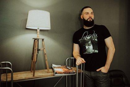 T-krekls Latvietis ar attēlu melns