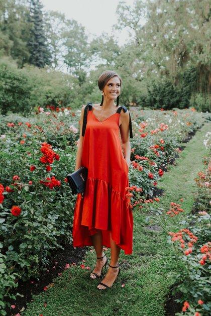Asimetriskā kleita sarkana Latviete