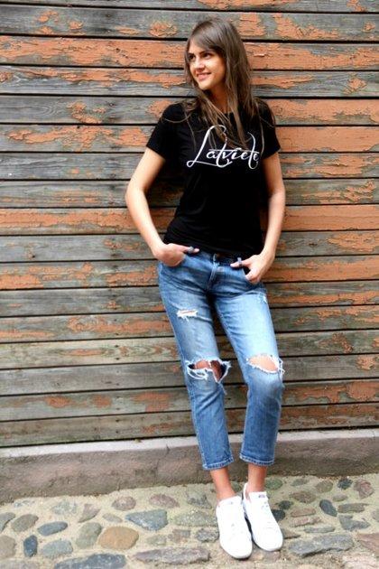 T-krekls Latviete melns